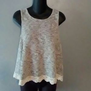 Size M tank top made of sweater like material